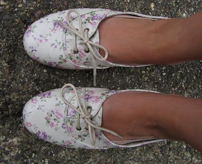 brogues, flower, flowery, shoes,lace, pretty,pumps