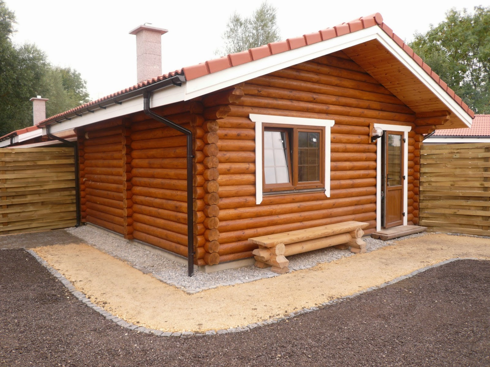 Building eco wooden house round logs wooden houses for Building a house