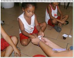 Crianças envolvidas na Atividade sobre Germinação
