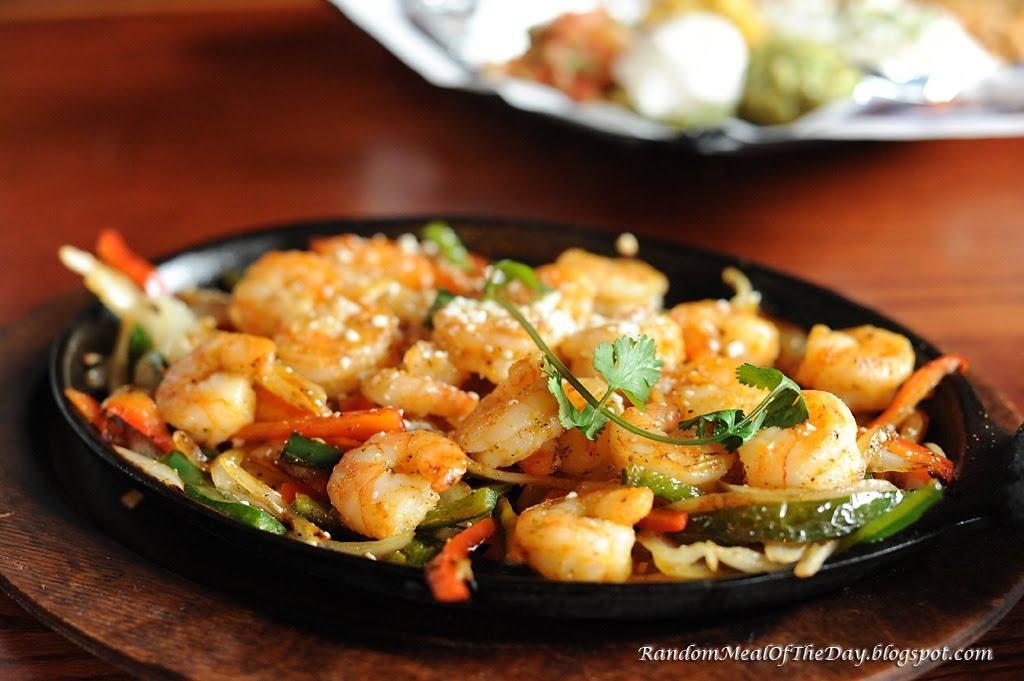 Random Meal Of The Day: Juicy Shrimp Fajitas at Sharkeez