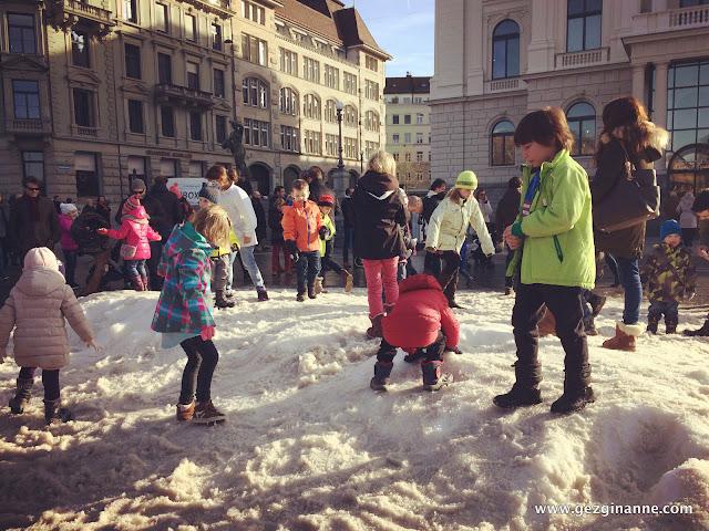 Zurich Christmas Market - snow