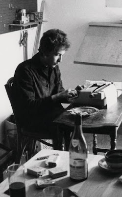 Bob+Dylan+at+typewriter.jpg