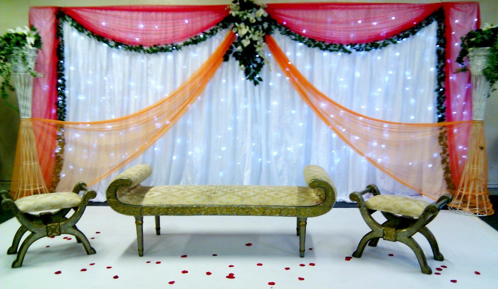 Mehndi night decorated stages trends in pakistan