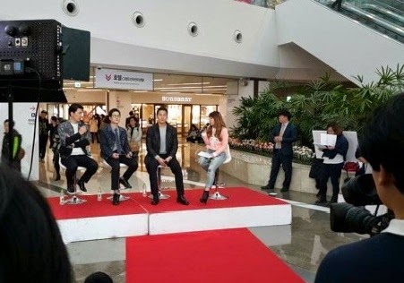 Korean film The Deal premiere Kim Sang Kyung Park Sung Woong and Kim Sung Kyun Midnight TV Entertainment Hanbam