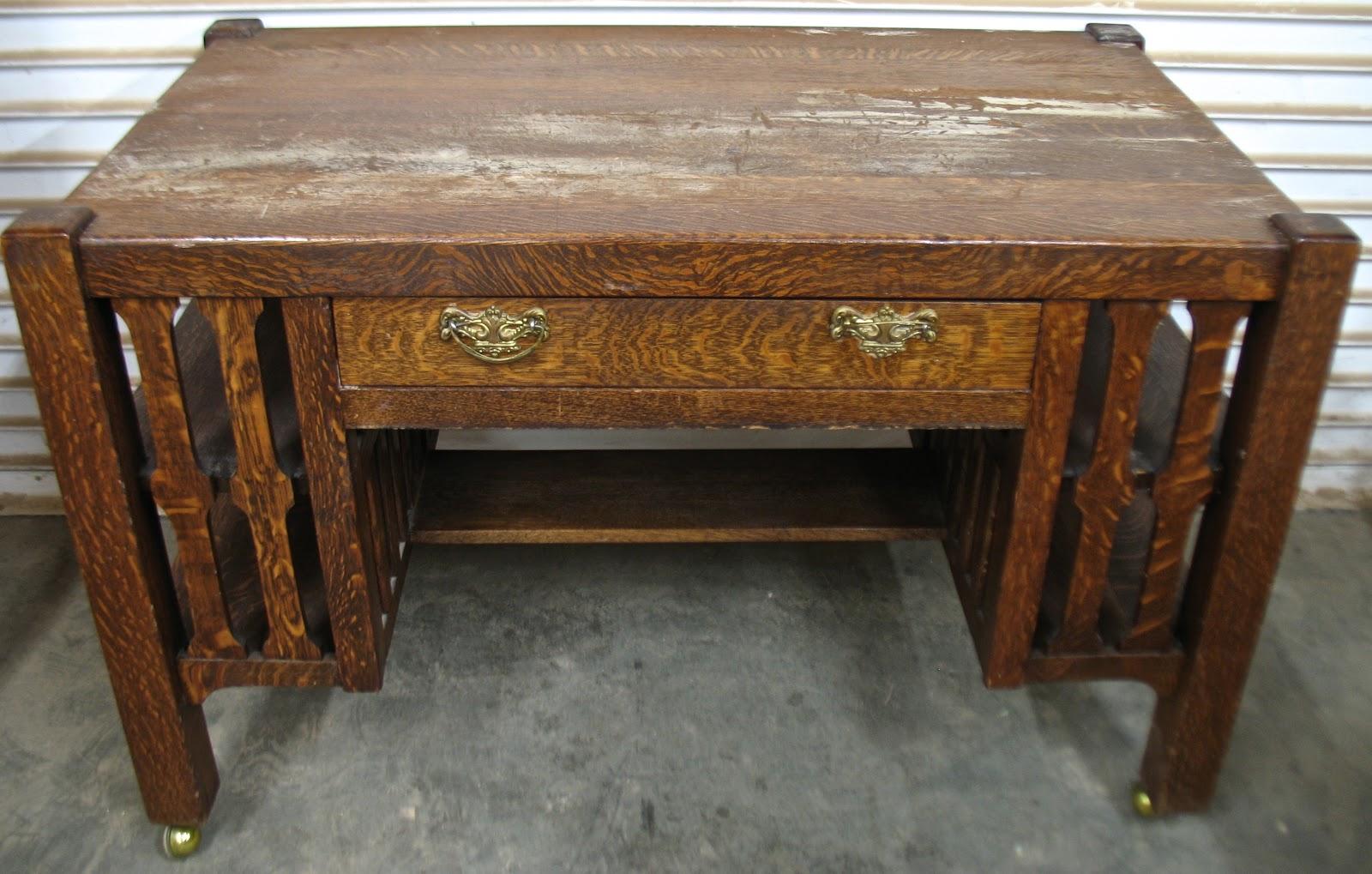 The craftsman oak mission style desk for Craftsman style desk plans
