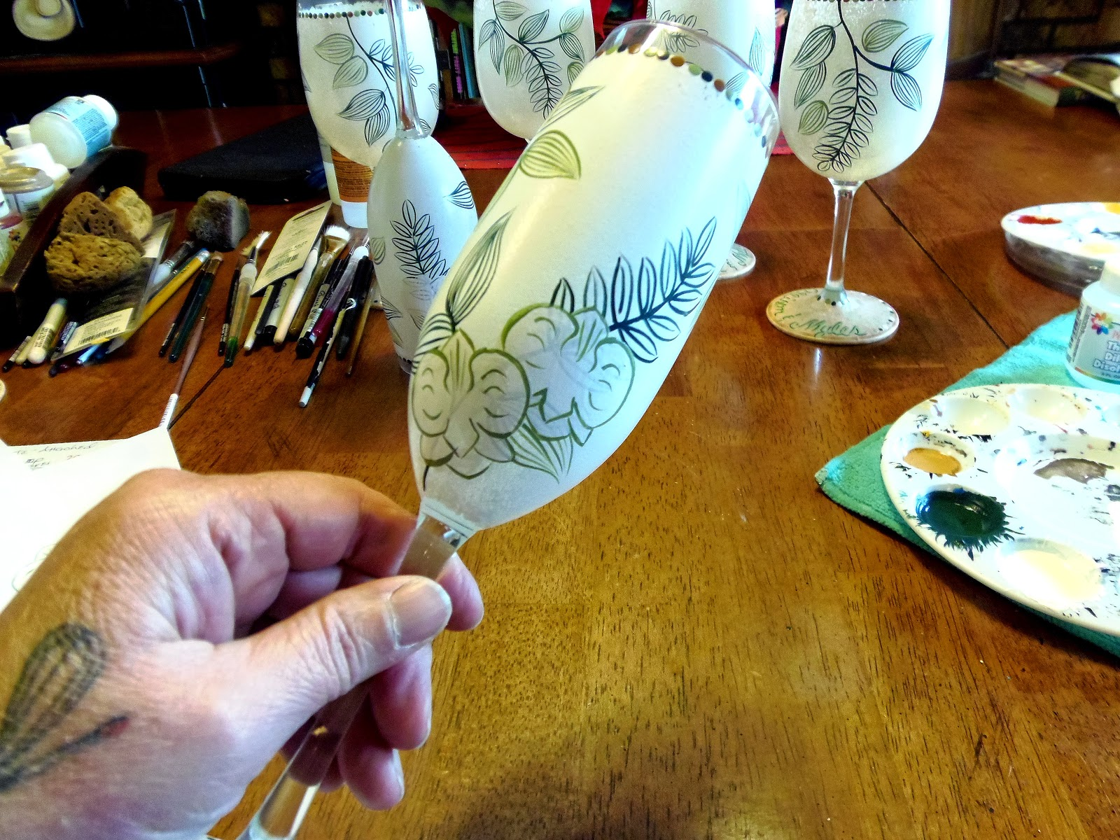Custom Hawaiian Wedding Invitation Themed wine glasses and champagne flutes via www.kudoskitchenbyrenee.wazala.com