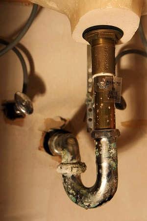 diy sink repairs