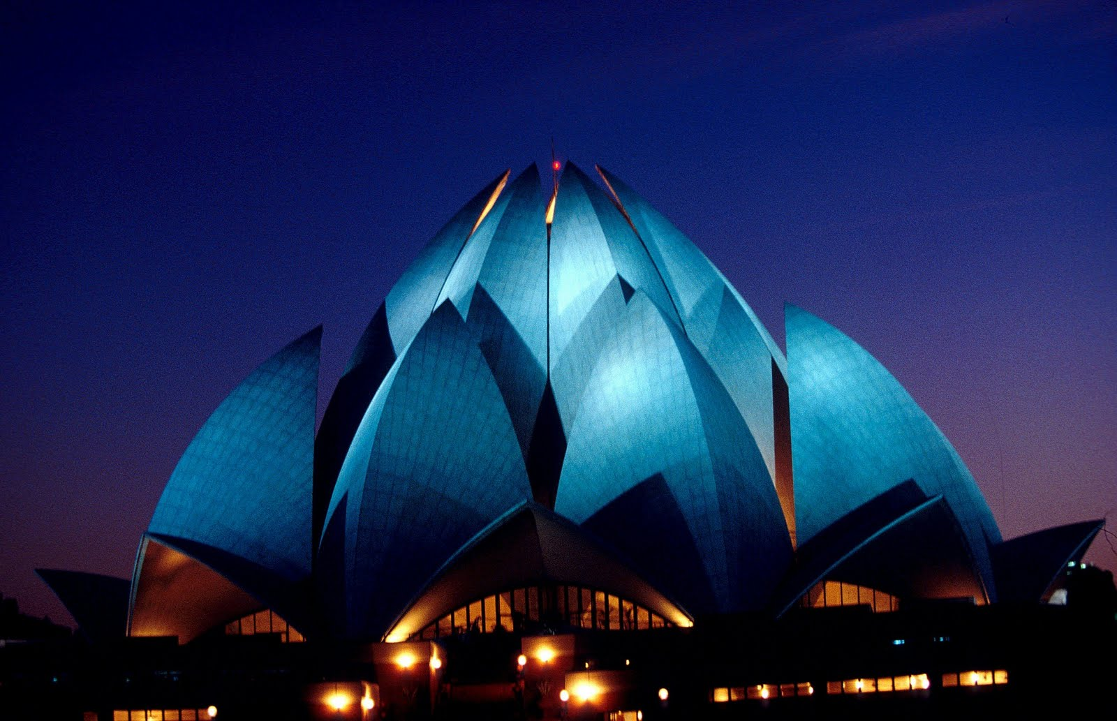 history of world lotus temple history