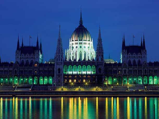 ¤ La Hongrie met Monsanto et le FMI dehors ! dans Outils/Bon à savoir BudaCastle