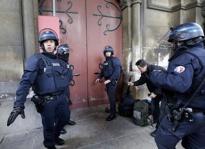 Saint-Denis-de-l'Estrée, Abdelhamid Abaaoud, Franciaország, Iszlám Állam, párizsi vérengzés, Salah Abdeslam, terrorizmus,