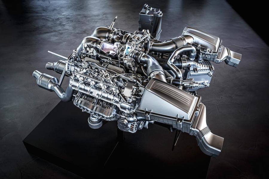 メルセデスAMG-GTに搭載される新開発の「M178エンジン」