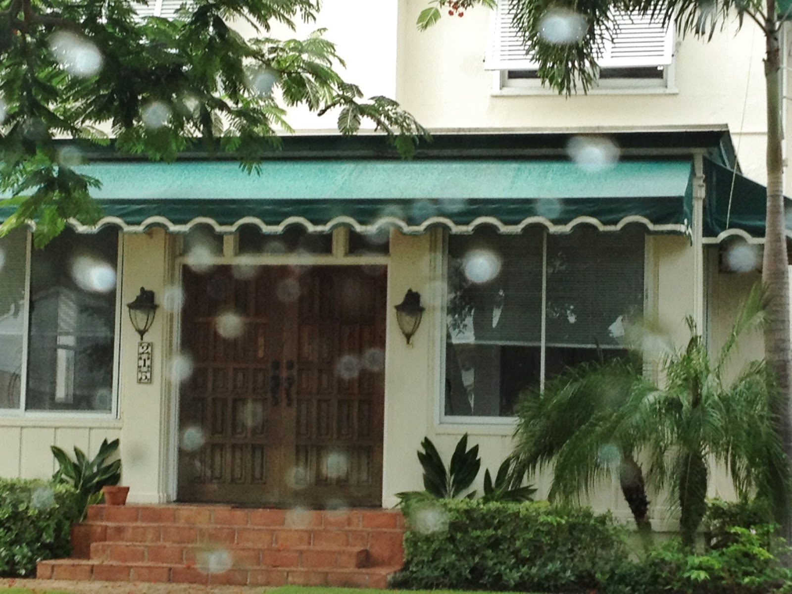 Decor Dreams & Schemes: Choosing an awning for your home and mine.