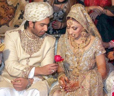 Pakistani film star sana wedding pics
