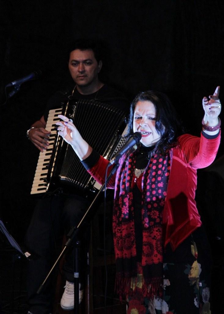 Amelinha atingiu o auge da fama no início dos anos 80 com a canção 'Foi Deus que fez você', destaque no Festival MPB 80, da Rede Globo
