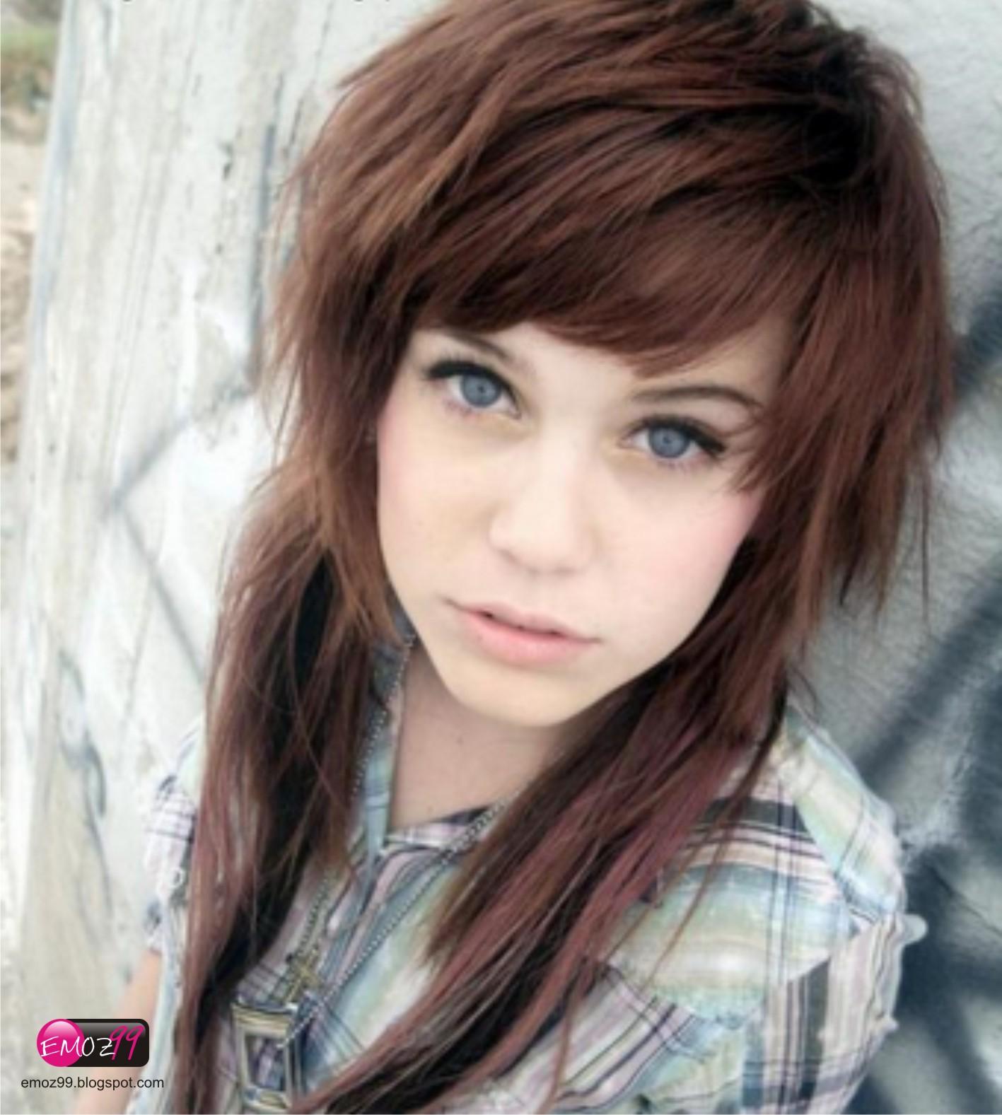 Emo's World: Cute Emo Girl # 11