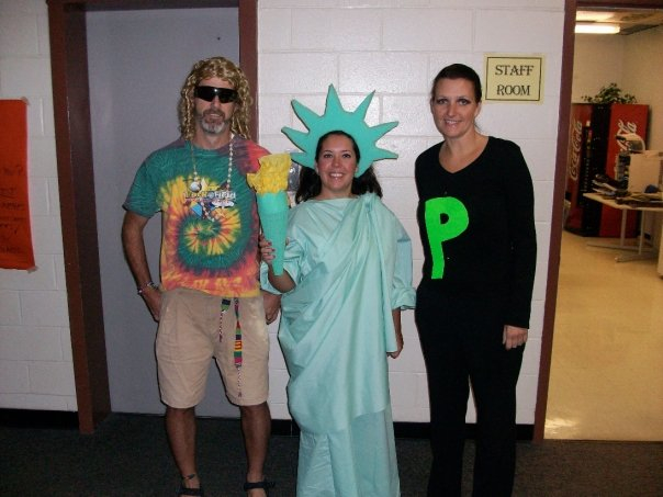Crafty teacher lady october 2011 homemade statue of liberty costume took me a while to make but totally worth it i won the costume contest at school that year can you guess what donna is solutioingenieria Images