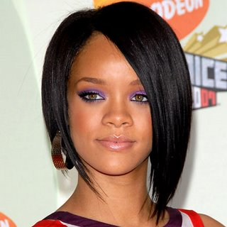 ree  Download lirik lagu Rihanna