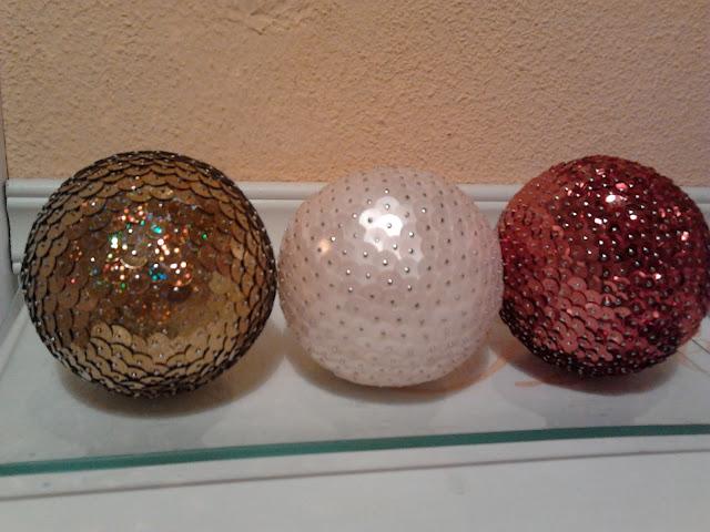 DIY bolas de Navidad con lentejuelas