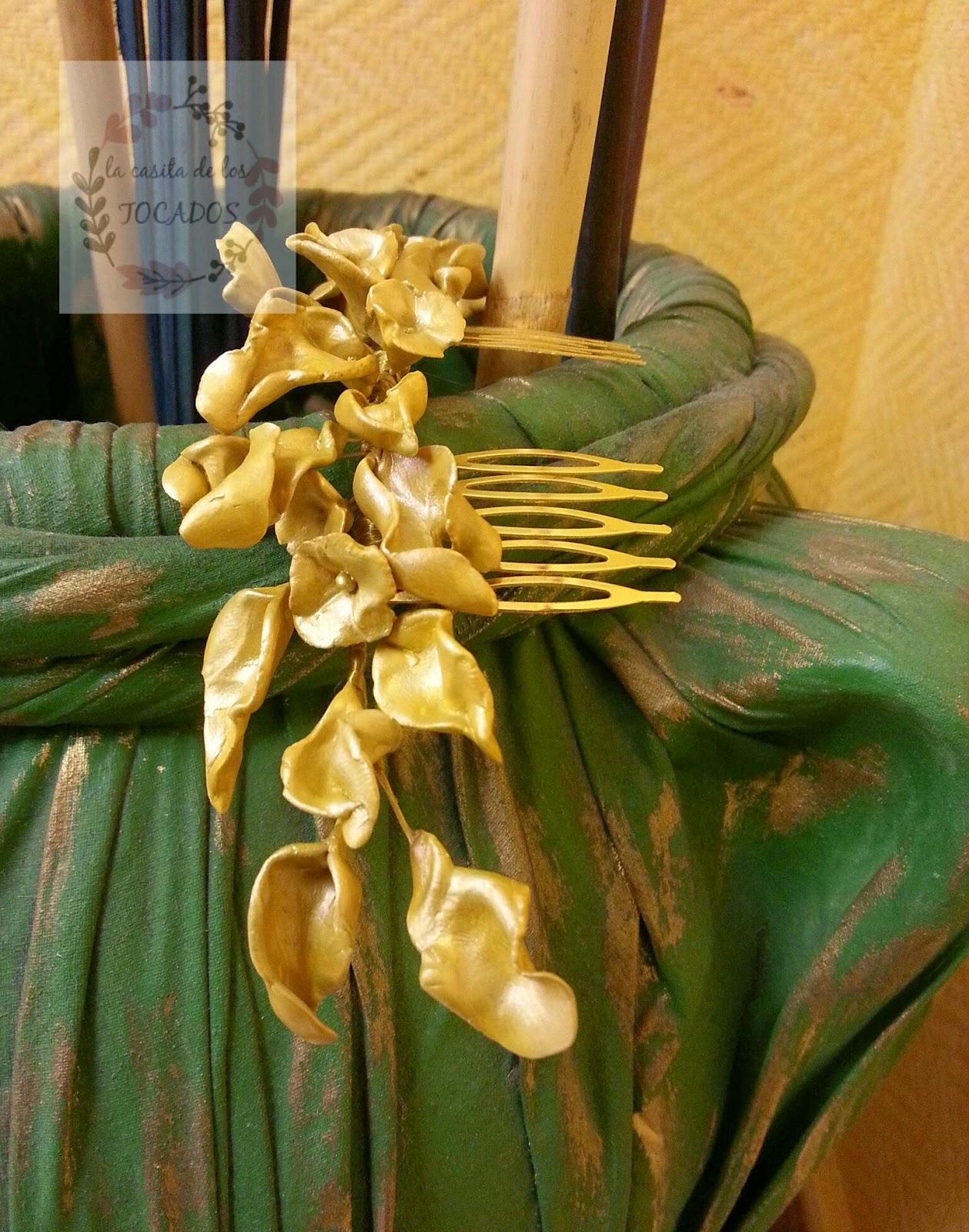 tocado para novia en color oro mostaza realizado en porcelana fría