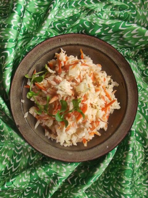 Sałatka z kapusty i marchewki - coleslaw