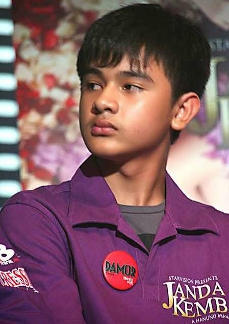 Foto aktor remaja Esa Sigit