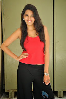 Swetha Jadhav latest Pictures 006.jpg