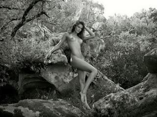 Isabeli Fontana nude in 2012 Pirelli Calendar