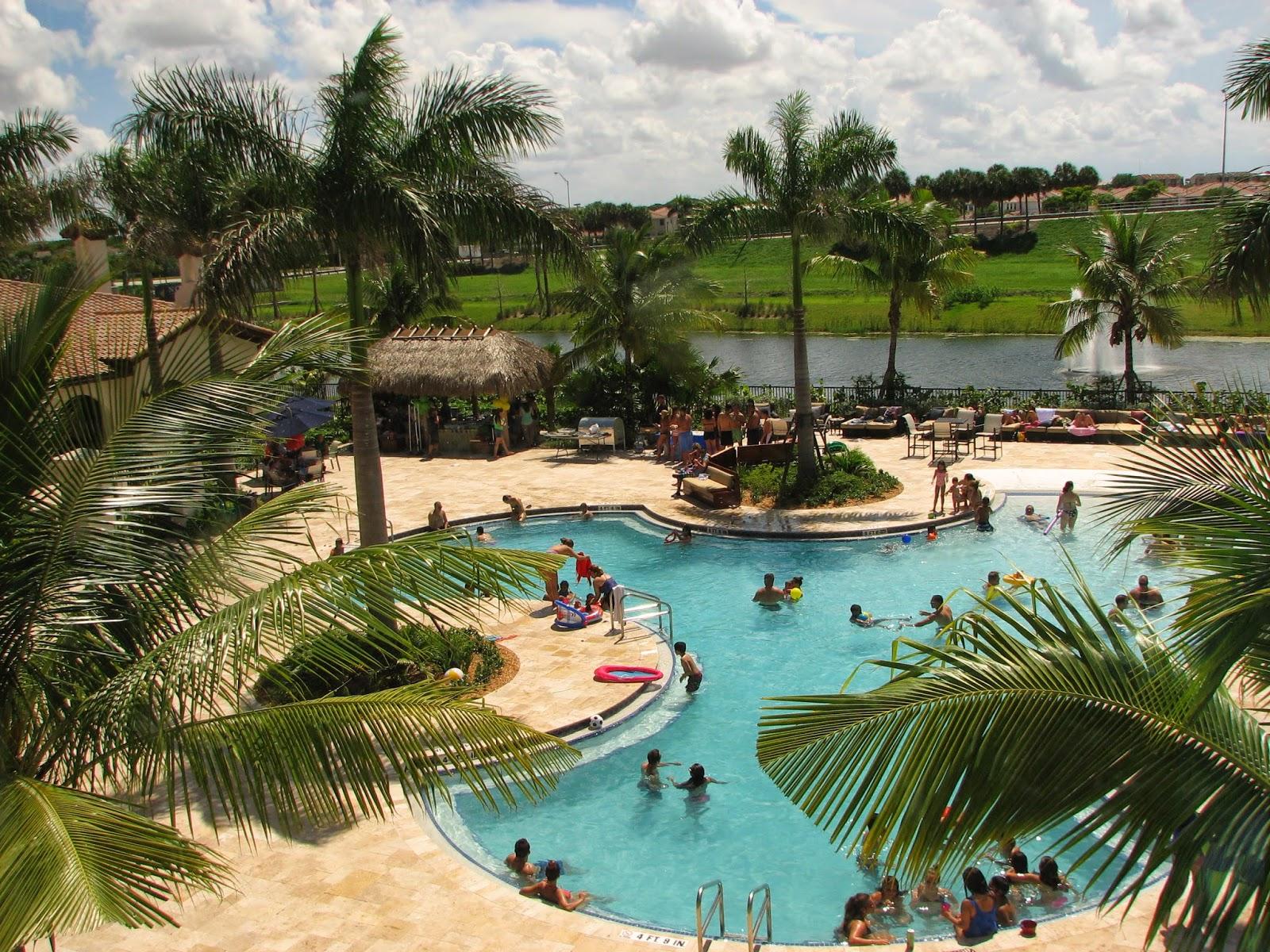 Bonao internacional tarde de piscina en nuestro - Hamacas de piscina ...