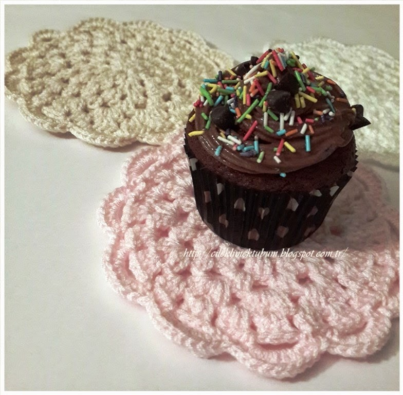 crochet, cupcake, dekorasyon, dekoratif, elişi, ev, kek, mutfak, pembe, servis, supla, tığ işi, tığ işi amerikanservis, tığ işi supla, tığişi, örgü,