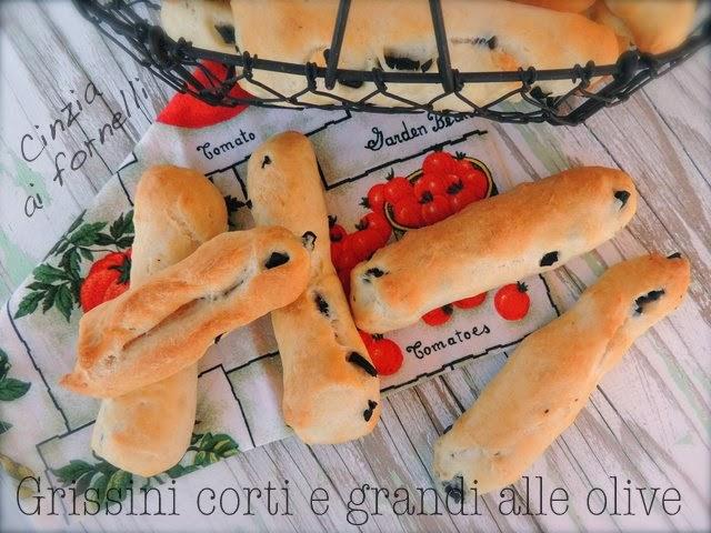 grissini con olive grandi