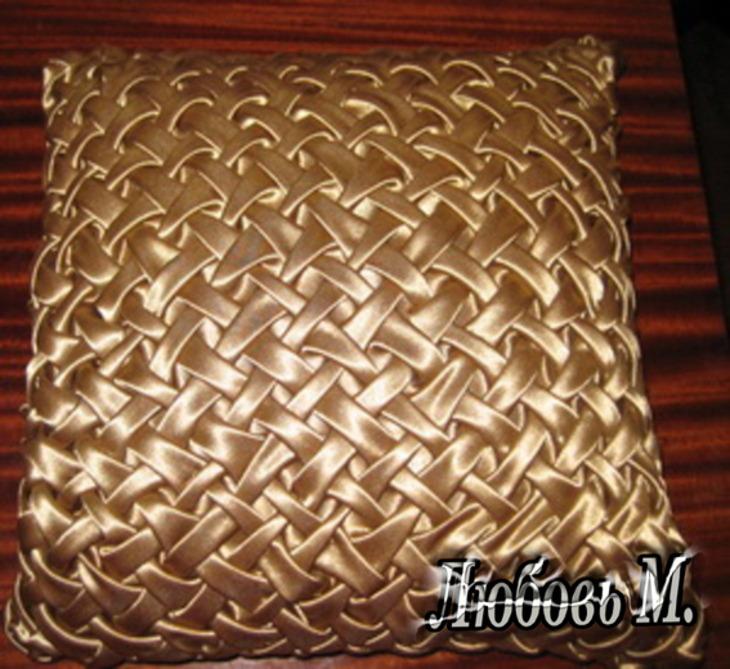 Диванная подушка с буфами