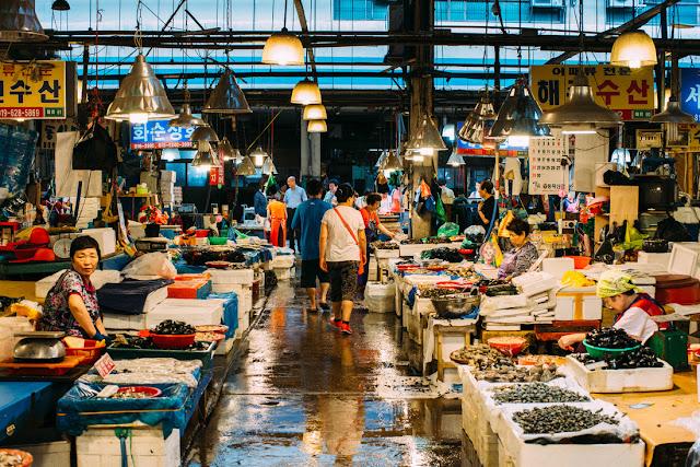 Noryangjing nổi tiếng ở Hàn Quốc là một trong những chợ hải sản lớn nhất Hàn Quốc