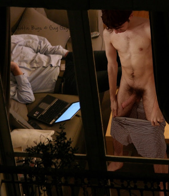 Gay Window 88