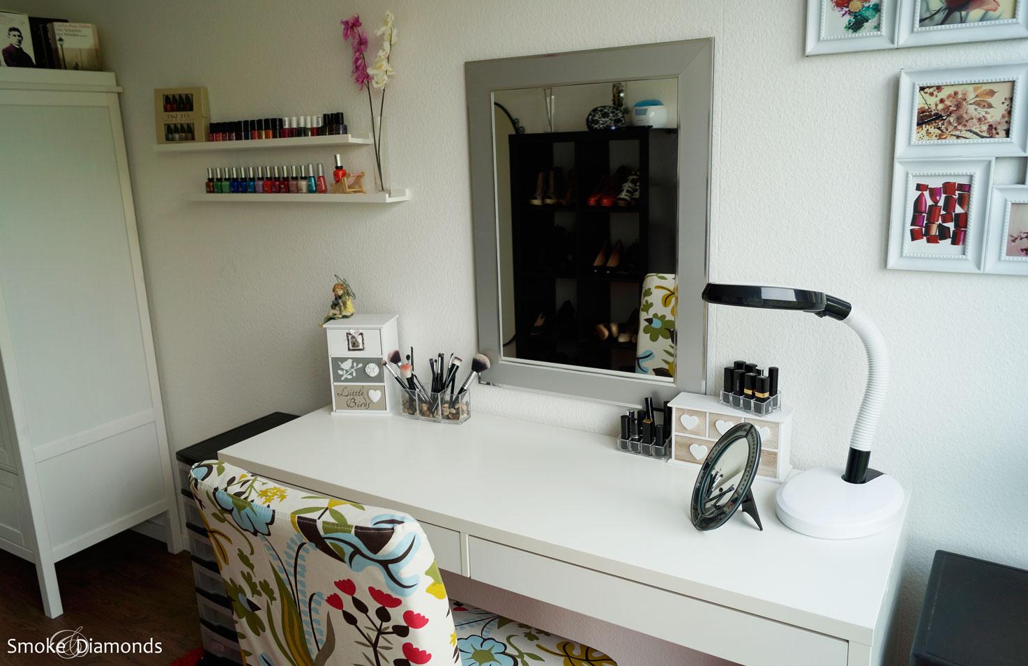 Ikea micke schreibtisch als schminktisch  Smoke and Diamonds - Mein Schminkzimmer: Möbel... - Smoke and Diamonds