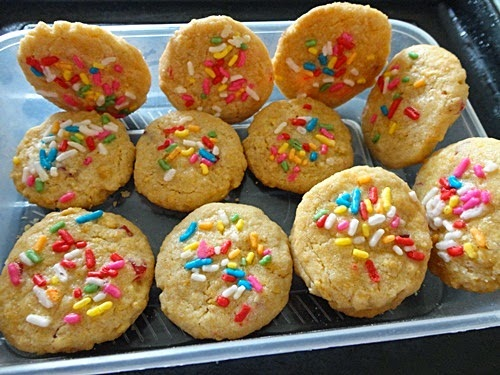 Resepi Biskut Corn Flakes Strawberi, resepi biskut raya, resepi biskut aidilfitri 2014, cara membuat Biskut Corn Flakes Strawberi, gambar Biskut Corn Flakes Strawberi