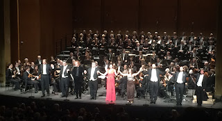 Salutations des artistes à la fin du Freischütz au Théâtre des Champs Élysées à Paris
