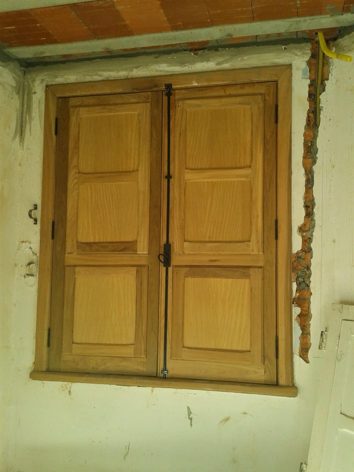 #684611 em janelas de veneziana e portinhola.Fabricamos estas janela  594 Janelas Em Madeira Rj