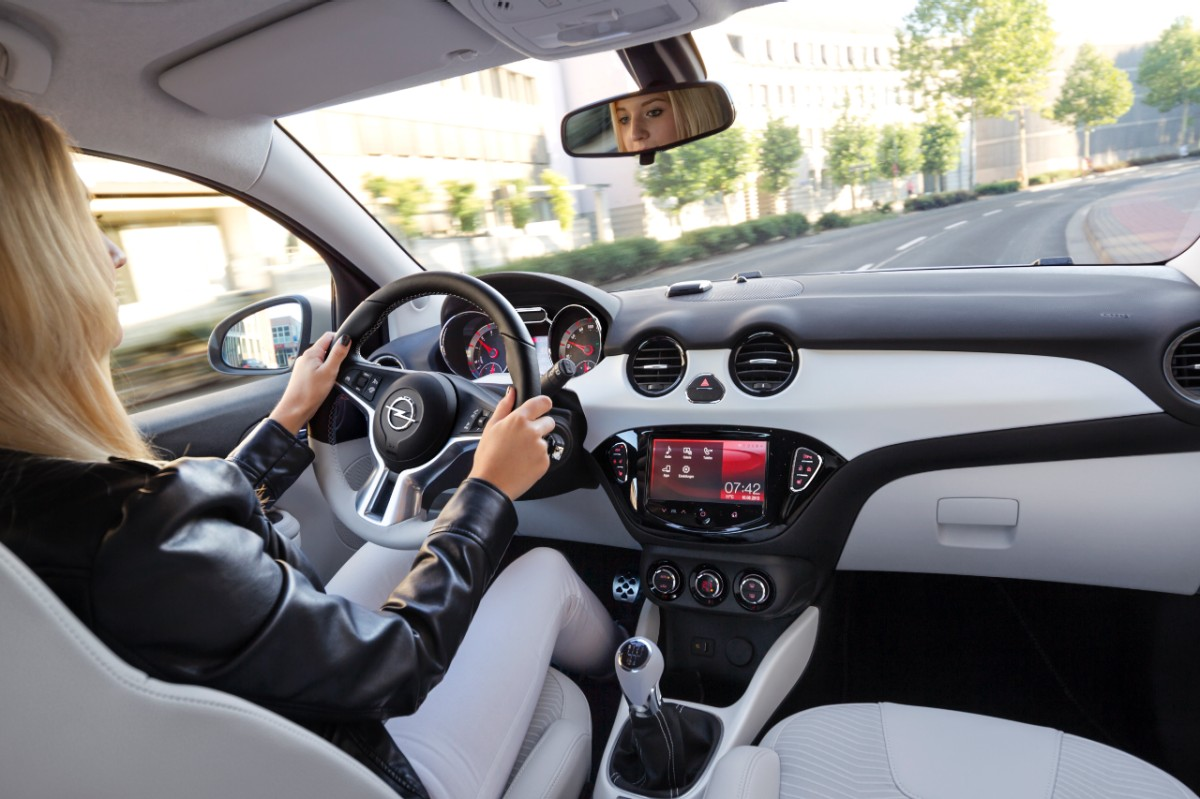 Riwal888 blog new opel adam black link and white link for Auto interieur tuning