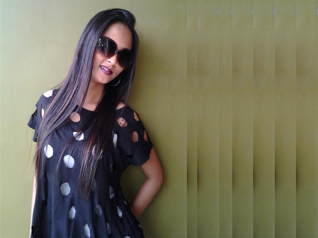 Bhojpuri actress Mohini Ghosh Latest HD hot bikni Wallpapers, Mohini Ghosh Photo
