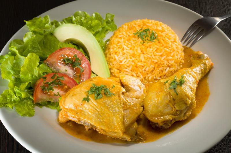 platos con gallina