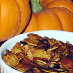Spiced Pumpkin Seeds | GIRLS DISH