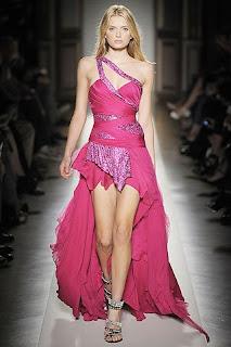 Dicas de vestidos longos para formatura - Fotos e modelos
