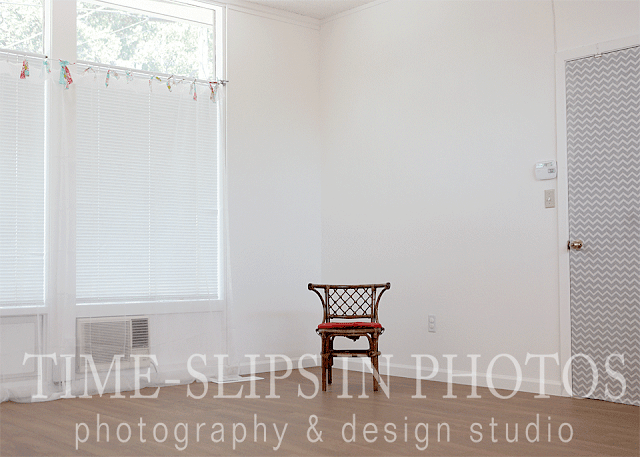 New_Beautiful_Bright_White_Studio_Space_Time-Slips_In_Photos