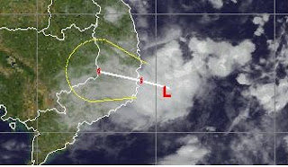 Taifunsaison 2011 aktuell: Tropisches Tief 25W vor Vietnam, Taifunsaison, 2011, Dezember, aktuell, Satellitenbild Satellitenbilder, Vietnam, Kambodscha, Pazifik,