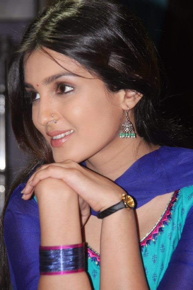 Shiny Doshi Wallpapers Free Download