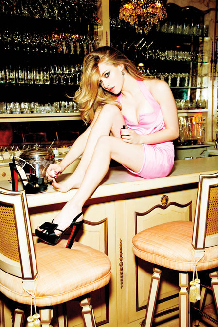 amanda seyfried march 2012 glamour magazine