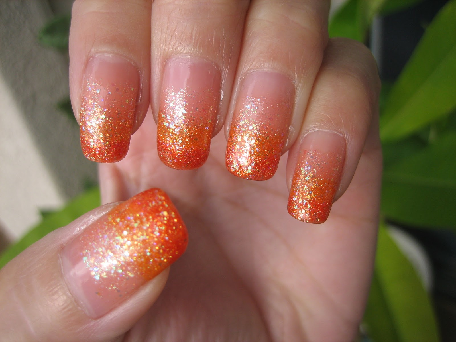 Awesome Nails By Nicole: Easy Halloween Gradient Nail Design. :)