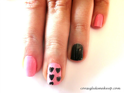 Nail art: Little hearts