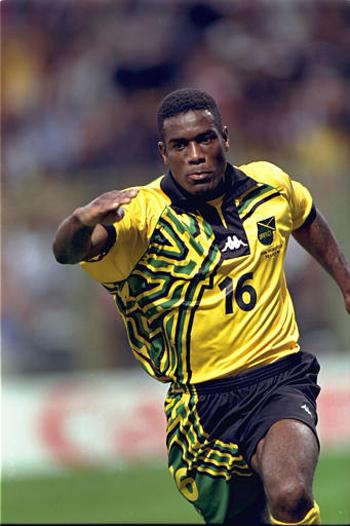 Mon grenier maillots jama que 1998 jamaica 1998 - Joueur coupe du monde 98 ...