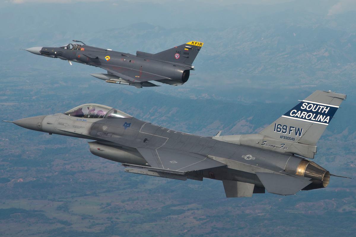 Los aviones Kfir de la Fuerza Aérea Colombiana serán reemplazados, entre los candidatos más opcionados están los F-16-